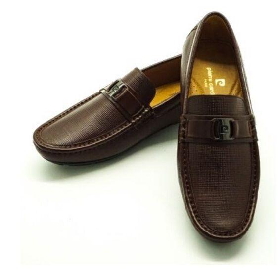 Giày nam Pierre Cardin PCMFWLE708BRW màu nâu giảm 1.188.000đ (- 52 %)  giá gốc 2,49 triệu đồng; chất liệu da bò, Tránh tiếp xúc với nước và nhiệt độ cao Nên làm sạch bằng xi đánh giày, lotion dưỡng da và dùng khăn ẩm sạch để lau sản phẩm.