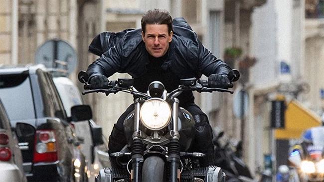 Tom Cruise phải cách ly khi đang quay phim Nhiệm vụ bất khả thi 7.