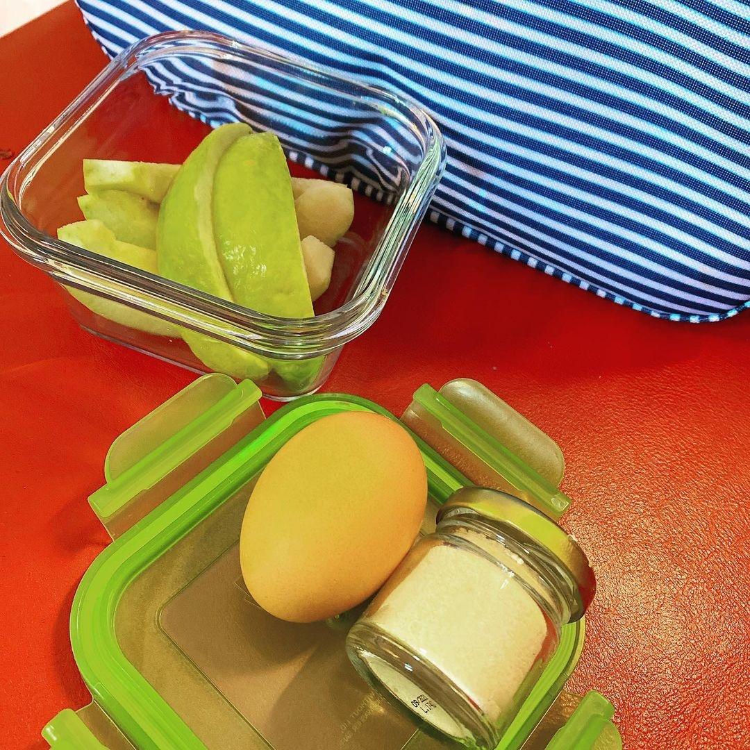 Thực đơn của nữ diễn viên Đài Loan chủ yếu gồm các món luộc như trứng luộc, gà luộc và các loại rau quả ít đường.