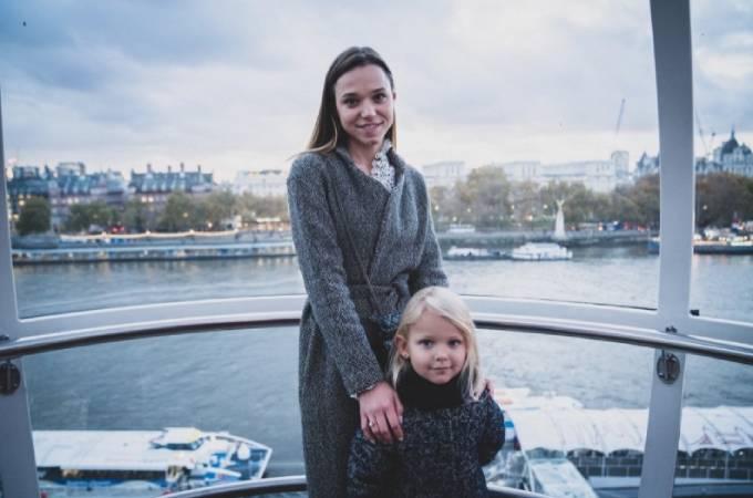 Kristina và con gái Victoria, 6 tuổi. Ảnh: Instagram.