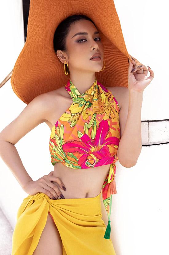 Ca sĩ Lily Chen.