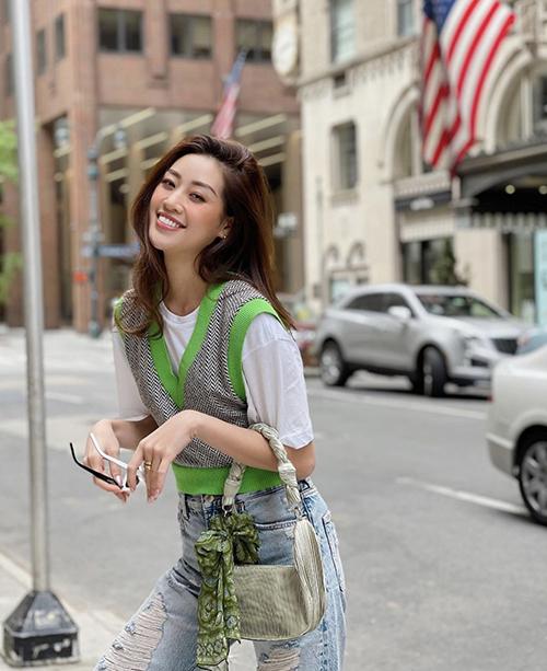 Sau cuộc thi Miss Universe 2020, Khánh Vân tạo được ấn tượng mạnh mẽ trong lòng khán giả Việt, lượng fan của cô ngày càng tăng.