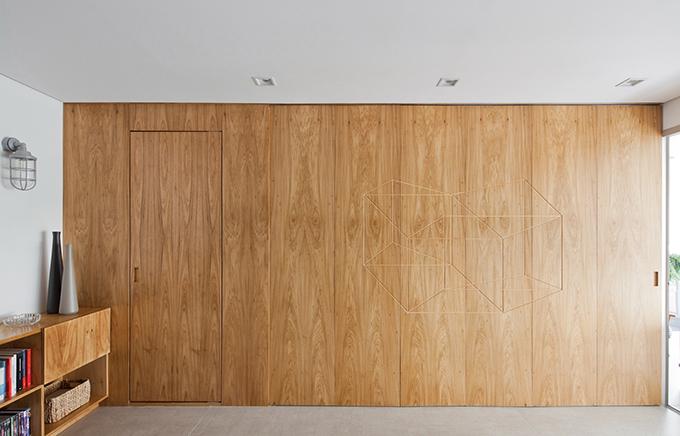 Ý tưởng chính của dự án là tạo ra một giải pháp mang lại sự thống nhất về kiến trúc và không gian tích hợp. Qua đó, chủ nhà vừa có một không gian chung và riêng khi cần thiết.