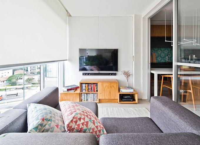 Căn hộ 58 m2 ở Sao Paulo, Brazil được hoàn thiện bởi đội ngũ Metamoorphosis Studio vào năm 2016.