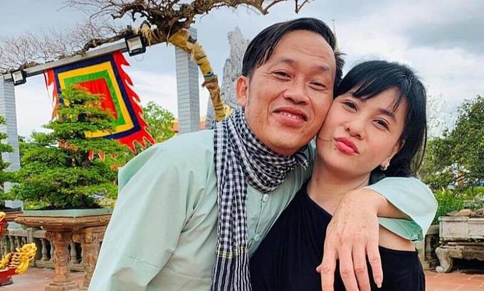 Cát Phương có mối quan hệ thân thiết với nghệ sĩ Hoài Linh.