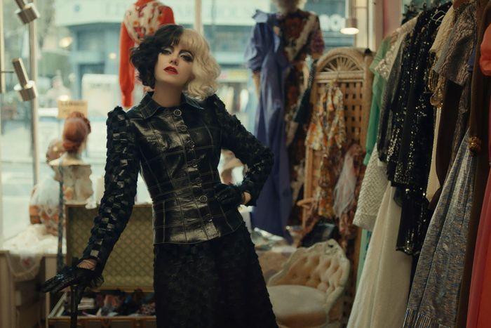Trang phục ấn tượng trong phim Cruella - 11