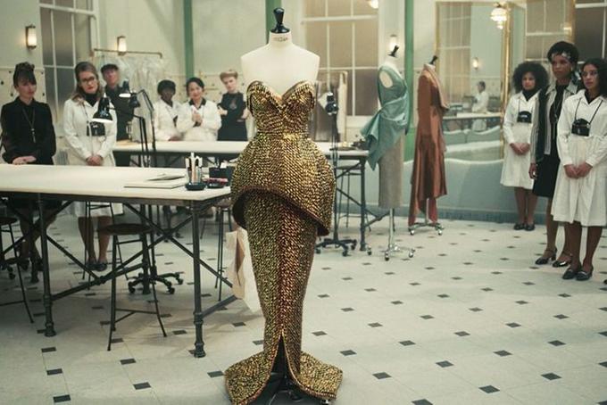 Trang phục ấn tượng trong phim Cruella - 10
