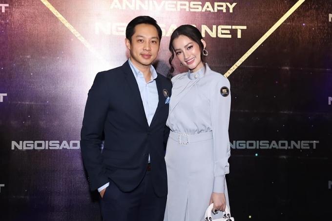 tình tứ tại tiệc sinh nhật mừng báo Ngoisao.net tròn 15 tuổi vào tháng 4/2019