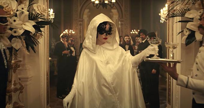 Trang phục ấn tượng trong phim Cruella - 4