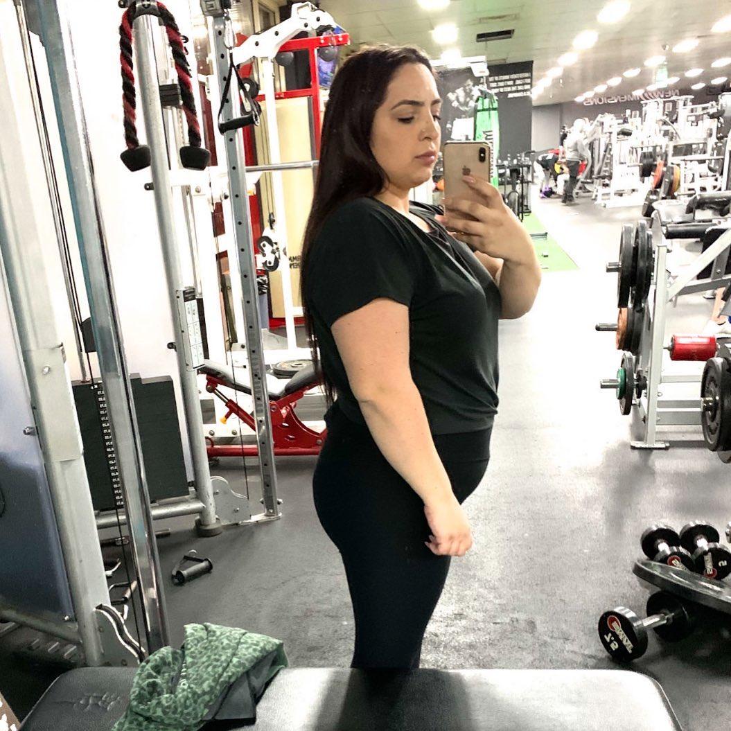Khoảng 2 tháng sau khi phãu thuật dạ dày, Dilay cũng bắt đầu tập gym theo hướng dẫn của PT.