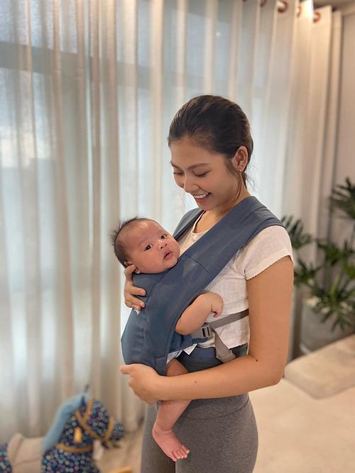 Chúng Huyền Thanh khoe con trai gần 2 tháng đã nặng 7kg.