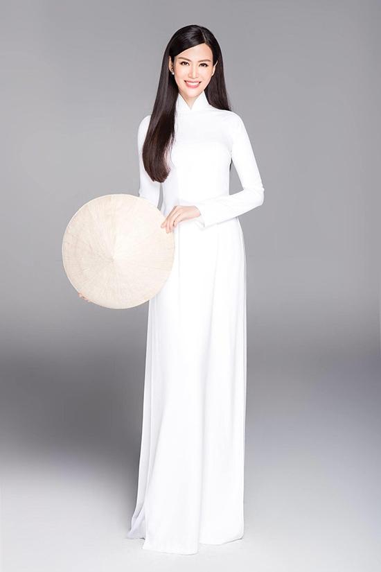 Khi hội ngộ các hoa hậu trong lịch sử cuộc thi Hoa hậu Việt Nam vào 2018, Thu Thuỷ khiến êkíp chụp ảnh ấn tượng bởi vóc dáng cân đối, gương mặt trẻ trung và nguồn năng lượng tích cực.