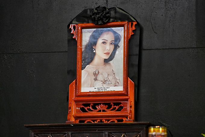 Di ảnh của hoa hậu Thu Thuỷ trong tang lễ trưa ngày 8/6. Ảnh: Giang Huy