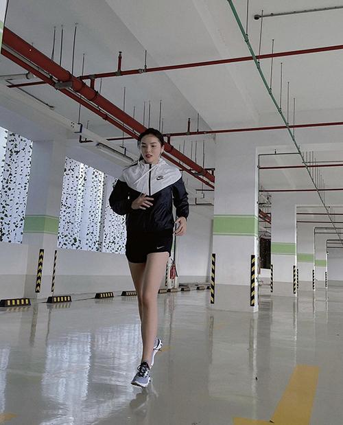 Đồ tập ở nhà của sao Việt - 2