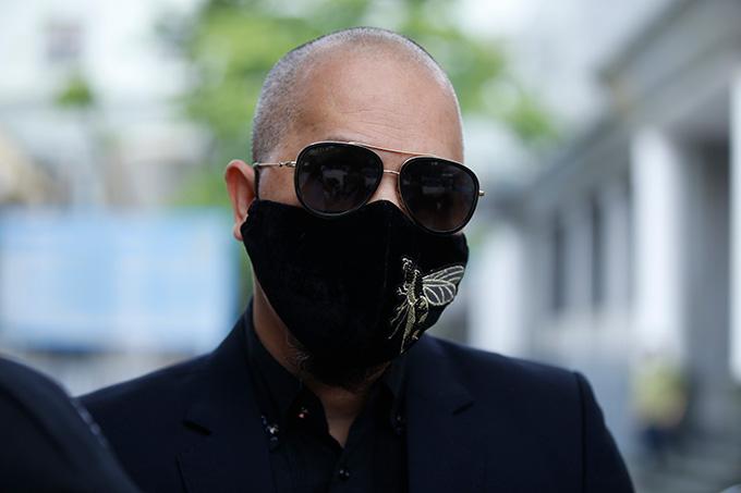 Nhà thiết kế Đức Hùng từng tài trợ váy dạ hội cho Thu Thuỷ thi Hoa hậu Việt Nam 1994.