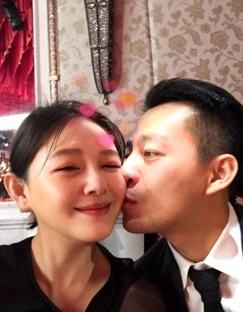Từ Hy Viên và chồng, Uông Tiểu Phi suốt 10 năm sống khá êm ấm, không điều tiếng.