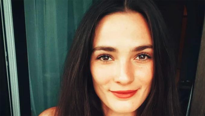 Diễn viên Lorina Kamburova.