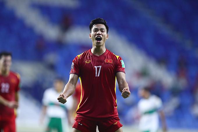 Văn Thanh ấn định chiến thắng 4-0 cho tuyển Việt Nam. Ảnh: Lâm Thoả.