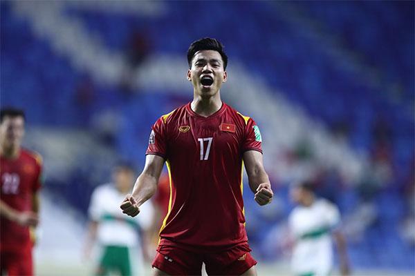 Vũ Văn Thanh ấn định chiến thắng 4-0 cho Việt Nam khi trận đấu còn gần 20 phút nữa mới kết thúc. Ảnh: Lâm Thỏa.