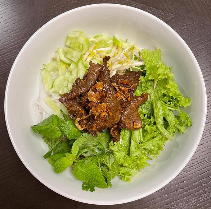 Đoan Trang chăm nấu đồ Việt trong những ngày ở Singapore - 2