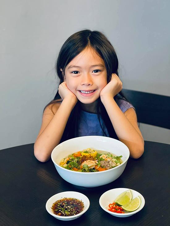 Đoan Trang chăm nấu đồ Việt trong những ngày ở Singapore - 5