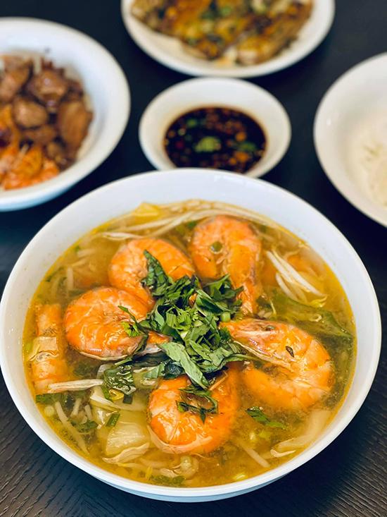 Đoan Trang chăm nấu đồ Việt trong những ngày ở Singapore - 4