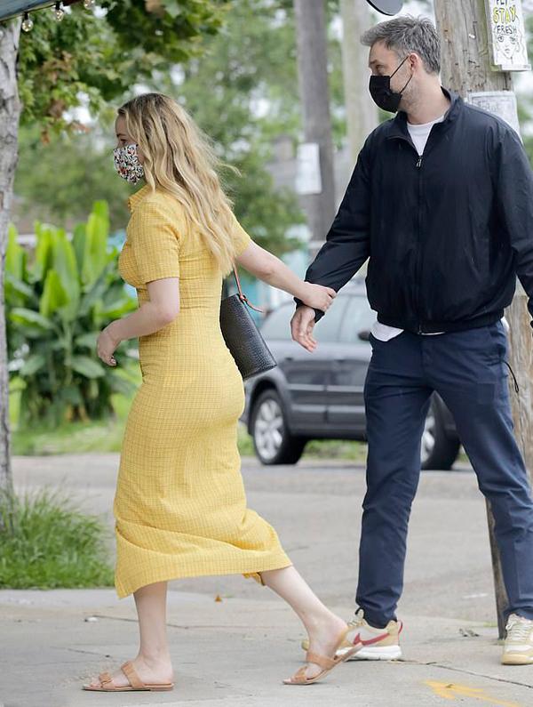 Jennifer kết hôn vào tháng 10/2020 và có cuộc sống khá kín đáo.