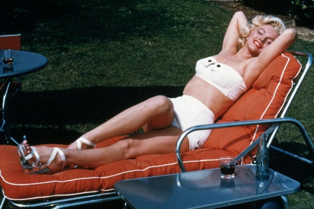 Marilyn tự kết thúc cuộc đời khi sự nghiệp đang ở đỉnh cao vào ngày 5/8/1962.
