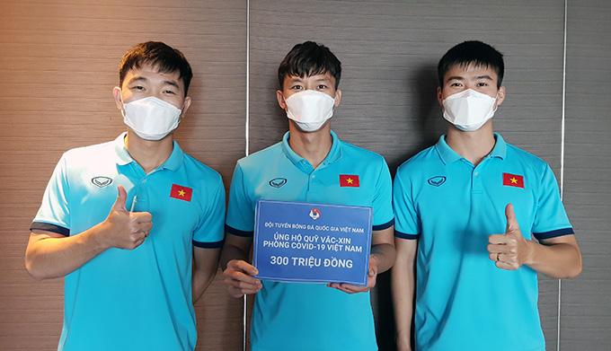 Tuyển Việt Nam lan toả việc ủng hộ Quỹ vaccine Covid-19 tới người dân cả nước dù đang bận thi đấu ở UAE. Ảnh: VFF.