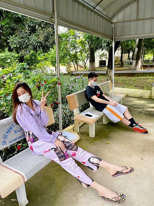 Hoa hậu Khánh Vân thực hiện cách ly theo quy định của Bộ Y tế. Cô hứa sẽ tuân thủ các quy định và giữ năng lượng tích cực nhất trong khoảng thời gian 21 ngày này.