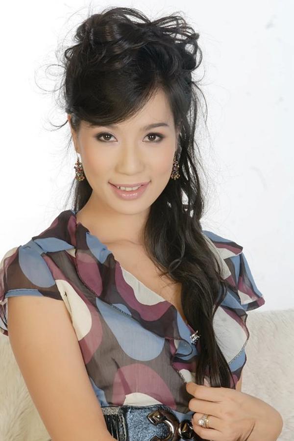 Theo thời gian, nhan sắc người đẹp vẫn trẻ trung. Trong ảnh là Trịnh Kim Chi năm 2010, khi cô gần 40 tuổi.
