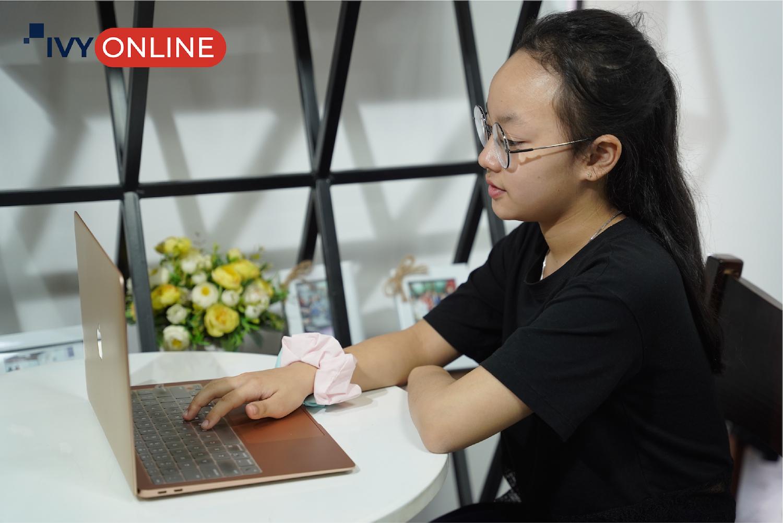 Học tập trực tuyến dần trở thành phương pháp học quen thuộc của nhiều học sinh, sinh viên trên cả nước.
