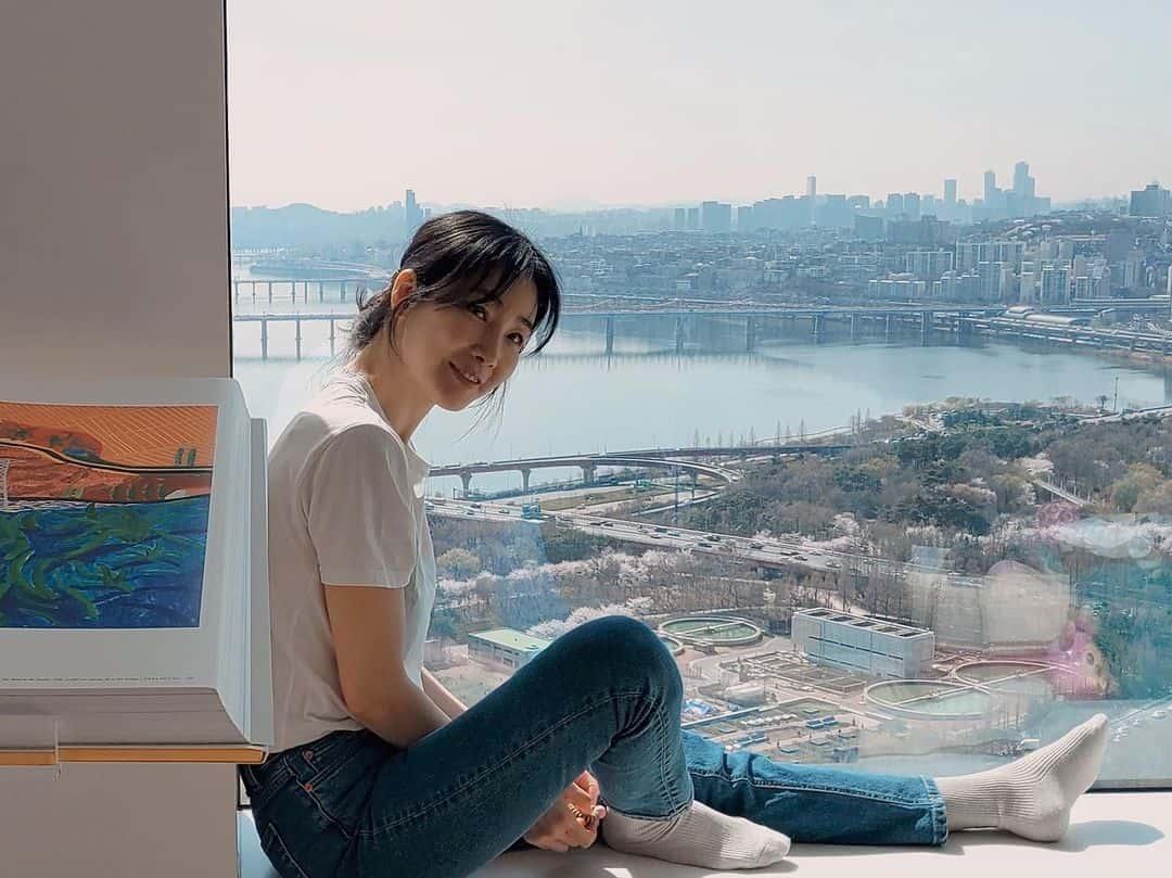 Choi Ji Woo hiện trả lời chung chung, không đi sâu vào trọng tâm vấn đề bị bóc.