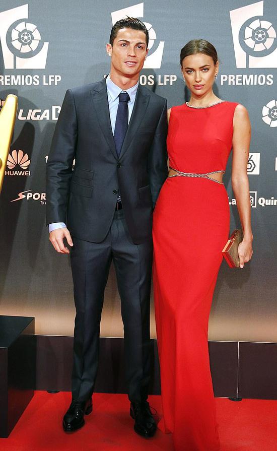 Cristiano Ronaldo và Irina Shayk thường xuyên sánh đôi trên thảm đỏ.