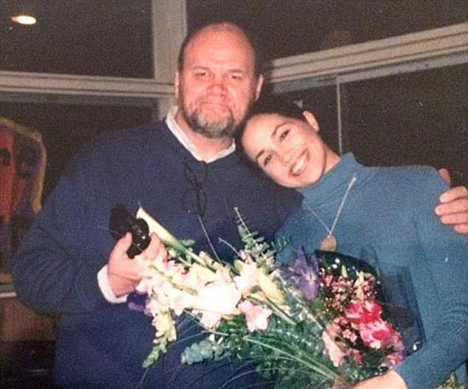 Ông Thomas Markle và con gái Meghan thời chưa cạch mặt nhau. Ảnh: USA Press.