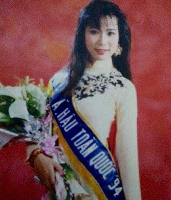 Ở tuổi thanh xuân, Á hậu Việt Nam sở hữu gương mặt thanh tú, đường nét cuốn hút. Vị trí của cô được đánh giá xứng đáng.