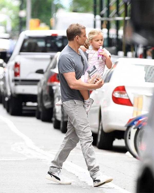 Nhiều fan từng hy vọng Bradley tái hợp với Irina vì họ rất thân thiết với nhau, tuy nhiên cả hai chỉ coi nhau bạn. Bradley và Irina chia sẻ quyền nuôi con sau khi chia tay vào tháng 6/2019. Cặp đôi cũ sống gần nhà nhau ở New York để tiện đưa đón, chăm sóc con.
