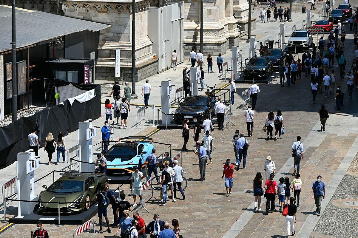 Triển lãm ôtô diễn ra hôm 10/6 tại Milan. Ảnh: Bloomberg