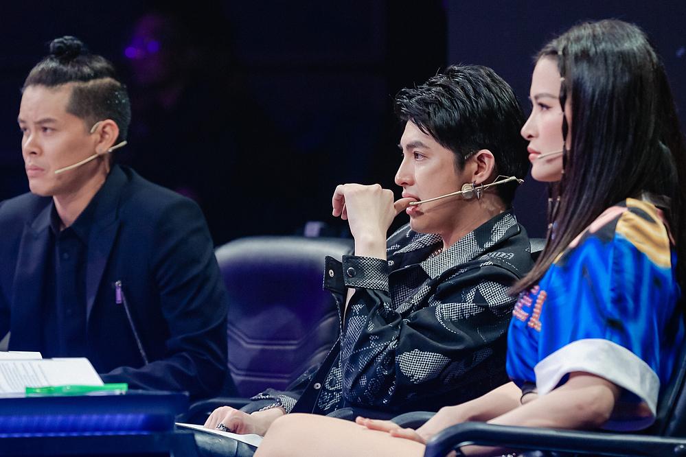 Vốn là ca sĩ theo đuổi dòng nhạc ballad, Noo Phước Thịnh phản đối lý do của đàn em. Anh cho rằng trong khuôn khổ cuộc thi, người chơi không nên lấy hoàn cảnh để biện hộ.
