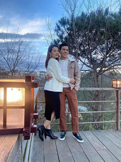 Ở bên một người mà lúc nào cũng khiến bạn cười tươi thì bạn nên cưới người đó ngay và luôn, Phương Trinh chia sẻ về hạnh phúc bên bạn trai Lý Bình.
