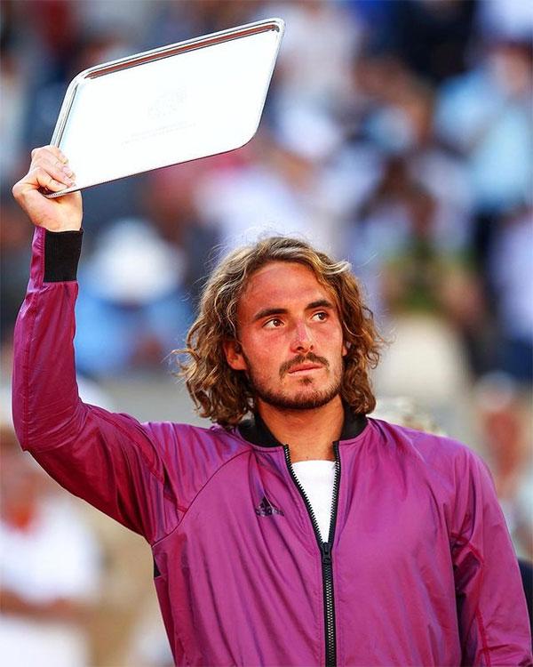 Tsitsipas nhận tin buồn chỉ vài phút trước chung kết Roland Garros với Djokovic. Ảnh: Instagram.
