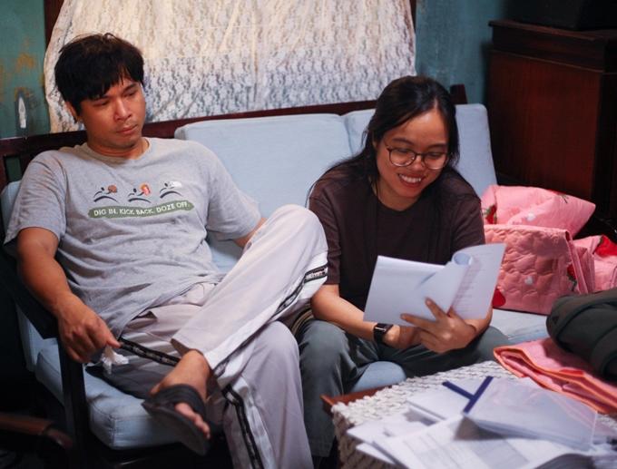 Trương Thế Vinh tập kịch bản cùng đạo diễn.