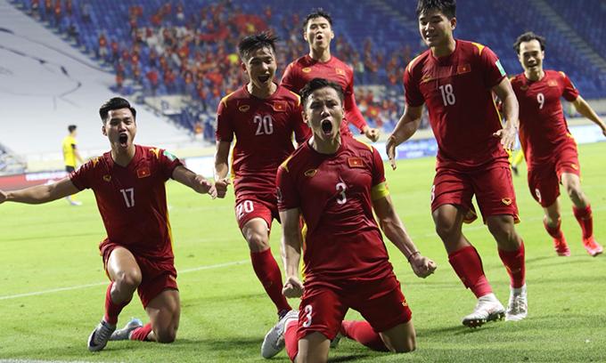 Màn trình diễn xuất sắc của đội tuyển Việt Nam tại lòng loại WC 2022 ở UAE làm nức lòng người hâm mộ. Đoàn quân của HLV Park Hang-seo được sắp xếp ăn ở tại hai khách sạn Swissotel Al Murooj Dubai và Crowne Plaza Dubai. Do tuân thủ quy định phòng dịch của nước sở tại, các cầu thủ không được phép ra khỏi khách sạn, chỉ được di chuyển theo đoàn và lịch trình từ trước.