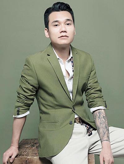 Ca sĩ - nhạc sĩ Khắc Việt.