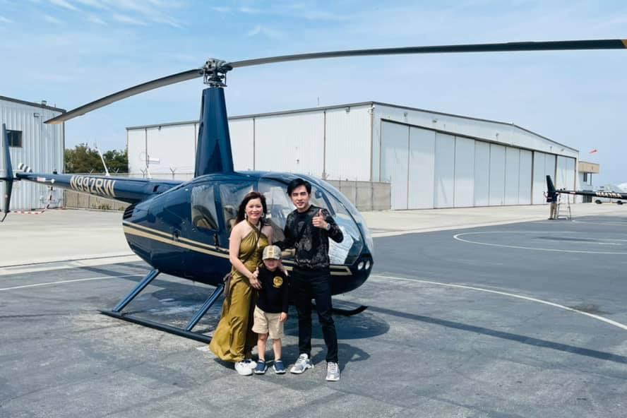 Gia đình Đan Trường đi chơi trực thăng.