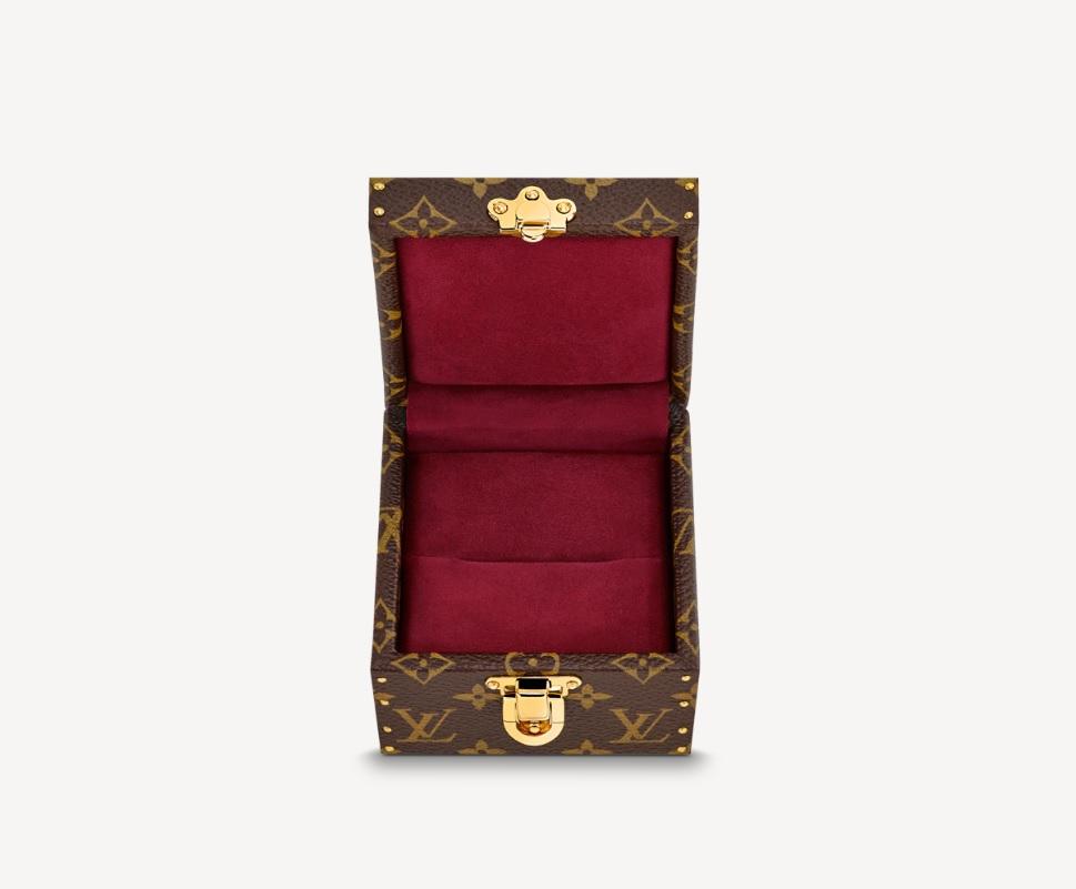 Ecrin Declaration được xem là chiếc rương của những món quà lãng mạn.