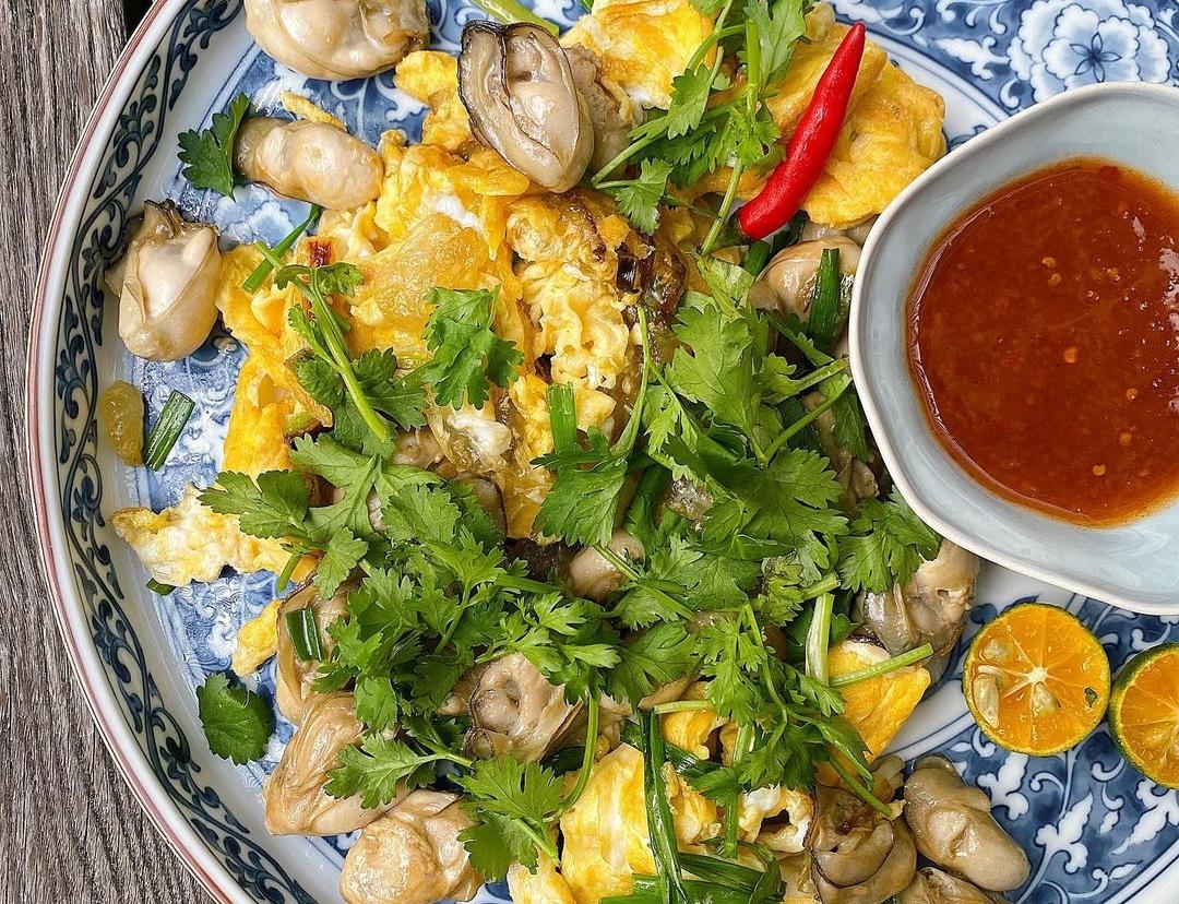 Hàu sữa chiên trứng của Tăng Thanh Hà.