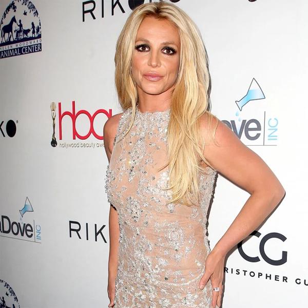 Ca sĩ Britney Spears đấu tranh giành lại tự do sau 13 năm bị giám hộ.
