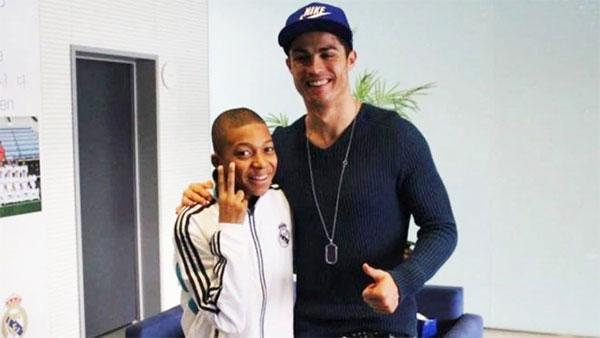 C. Ronaldo và Mbappe lần đầu gặp nhau năm 2013 khi CR7 vẫn khoác áo Real. Ảnh: Instagram.
