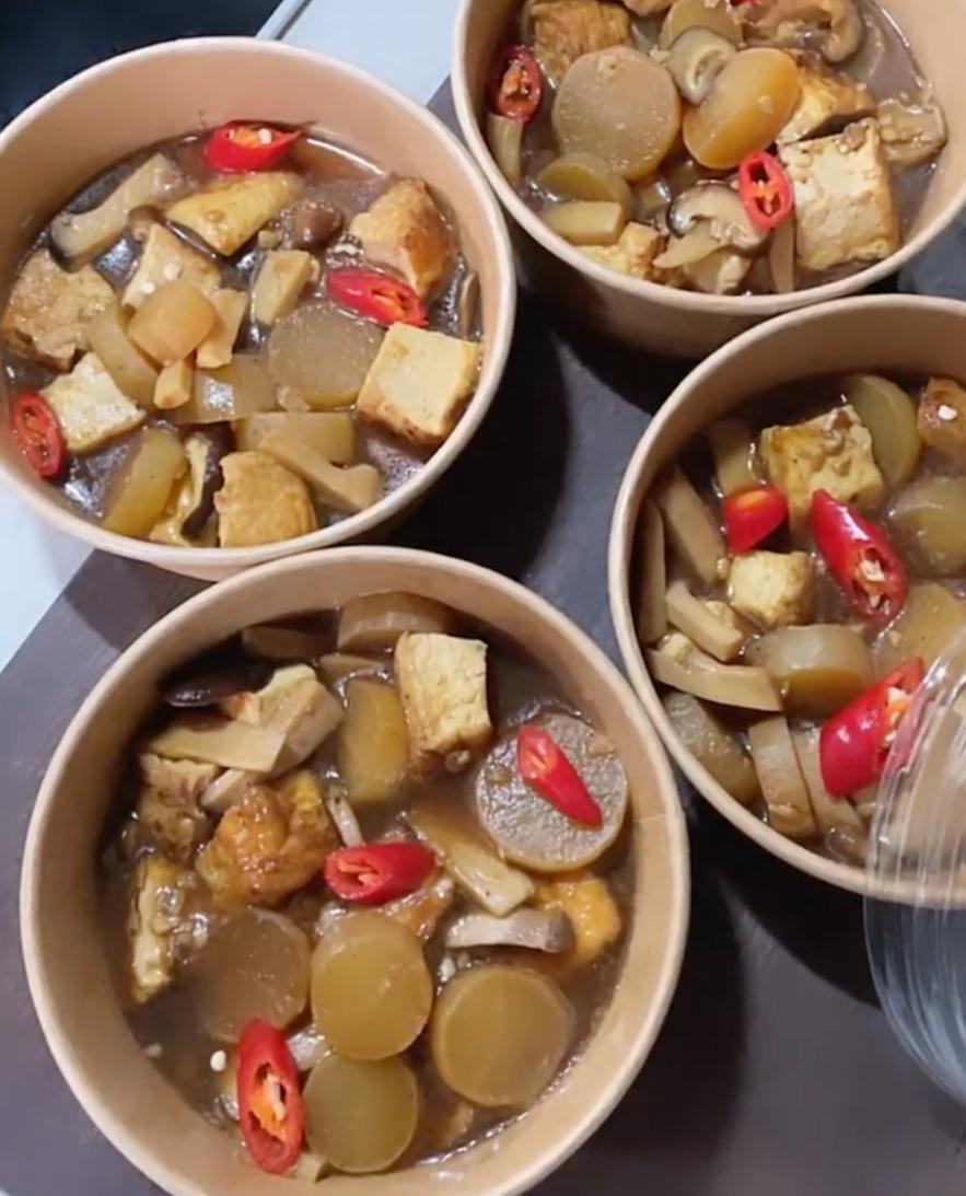 Đậu hũ kho nấm của Tóc Tiên.